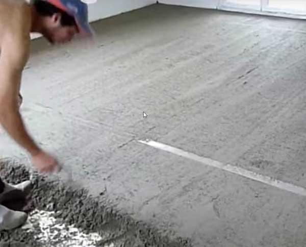 Заливка стяжки при ремонте квартиры под ключ